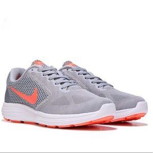 Nike Revolution 3 Woman's Sneaker